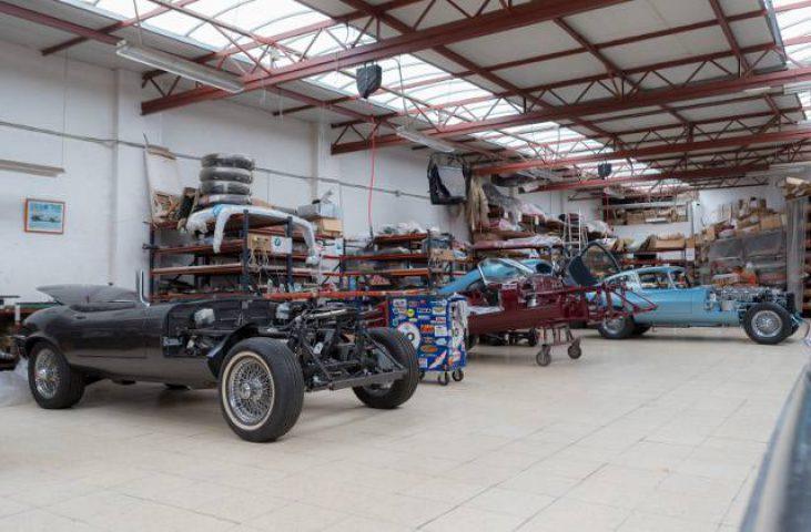 coches clasicos desmontados